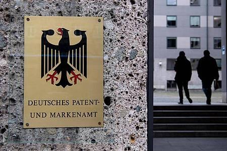 Ob eine Arbeitnehmererfindung einen Patentschutz erhalten kann, prüft das Deutschen Patent- und Markenamt in einem mehrstufigen Verfahren. Foto: Sven Hoppe/dpa/dpa-tmn