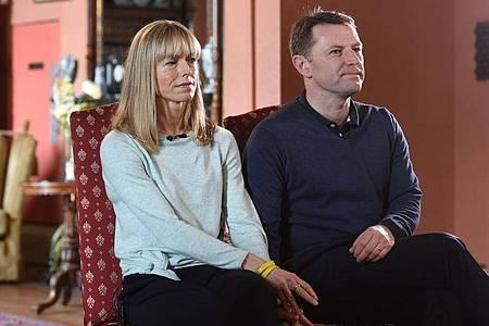 """Kate und Gerry McCann geben der BBC ein Interview zum Verschwinden ihrer Tochter Madeleine. Der Verdächtige im Fall Maddie ist auch knapp ein Jahr nach der Veröffentlichung des Mordverdachts nicht mit Vorwürfen konfrontiert worden. (zu dpa """"Verdächtiger im Fall Maddie bisher nicht mit Vorwürfen konfrontiert""""). Foto: Joe Giddens/PA Wire/dpa"""