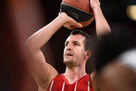 Musste notoperiertt werden: Basketball-Nationalspieler Paul Zipser. Foto: Tobias Hase/dpa