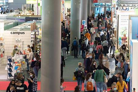Die ganze Buchmesse findet in diesem Jahr in verkleinerter Form statt. Foto: Sebastian Gollnow/dpa