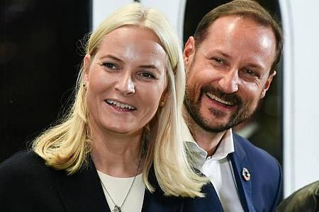 Haakon, Kronprinz von Norwegen, und Kronprinzessin Mette-Marit 2019 in Berlin. Foto: Jens Kalaene/dpa-Zentralbild/dpa