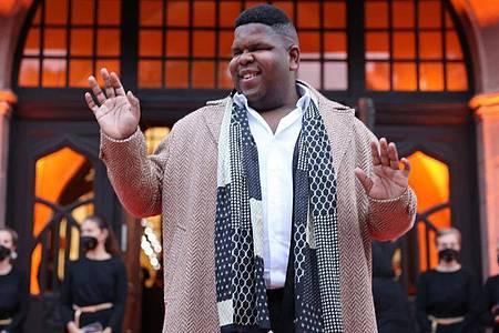 Sänger Ray Dalton wird bei der Verleihung der Goldenen Henne auf der Bühne stehen. Foto: Jan Woitas/dpa