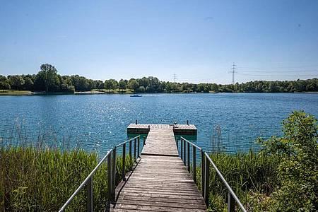 Der Echinger See, der unweit der Autobahn nördlich der bayerischen Hauptstadt liegt. Foto: Peter Kneffel/dpa