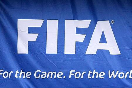 Die FIFA macht sich Gedanken über die Umstellung der europäischen Fußballligen auf das Kalenderjahr. Foto: Mike Egerton/PA Wire/dpa