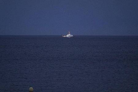 Das ozeanographische Schiff «Angeles Alvarino» ist an der Suche nach den vermissten Mädchen beteiligt. Foto: Europapress/dpa