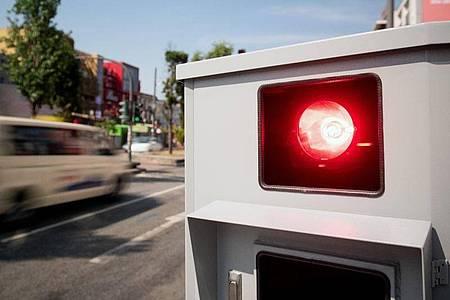 Über die Fahrverbote in der neuen Straßenverkehrsordnung wird heftig diskutiert. Foto: Daniel Reinhardt/dpa