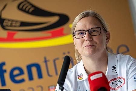 Jenny Wolf ist die neue Bundestrainerin der Eisschnellläufer. Foto: Christophe Gateau/dpa