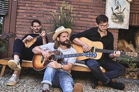 Craig Saunders (l-r), Ian Hooper und Claudio Donzelli von der Folk-Band Mighty Oaks. Foto: Studio Marco Fischer/BeckToMusic/dpa