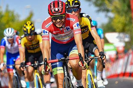 Der Norweger Odd Christian Eiking führt bei der Vuelta die Gesamtwertung an. Foto: Roth/dpa