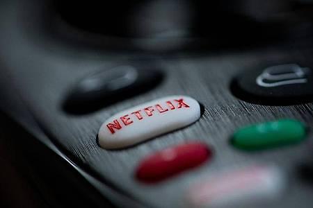 Netflix erhöht die Preise für den Standardtarif und den Premiumtarif. Foto: Rolf Vennenbernd/dpa