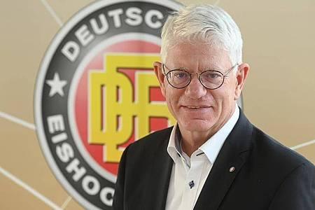 Franz Reindl ist der Präsident des deutschen Eishockey-Bundes (DEB). Foto: Tobias Hase/dpa