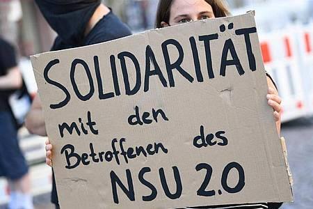 Die «NSU 2.0»-Drohschreiben waren unter anderem an Politiker und eine Anwältin verschickt worden. Foto: Arne Dedert/dpa