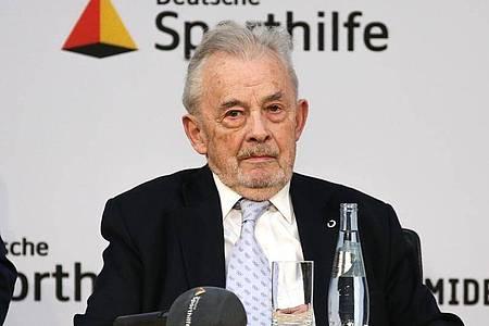 Der frühere Sport-Funktionär Walther Tröger ist im Alter von 91 Jahren gestorben. Foto: Andreas Gora/dpa