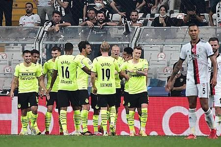 Borussia Dortmund setzte sich knapp bei Besiktas Istanbul durch. Foto: Mustafa Alkac/dpa