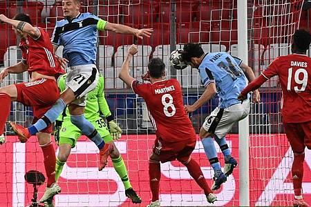 Für Lazio konnte Marco Parolo (2.v.r) nur noch verkürzen. Foto: Sven Hoppe/dpa