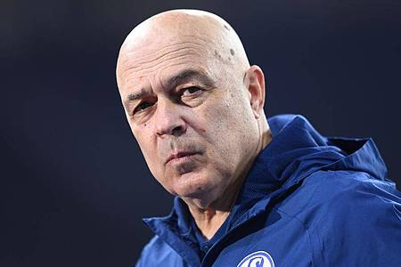 Auch unter Trainer Christian Gross bleibt Schalke erfolglos. Foto: Annegret Hilse/Pool via REUTERS/dpa