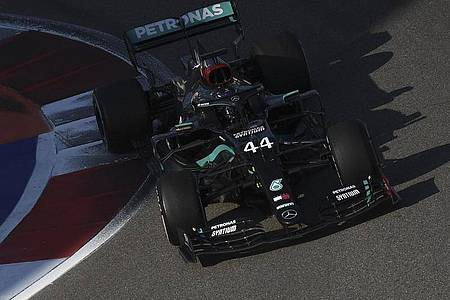 Lewis Hamilton kassierte Zeitstrafen für zwei verbotene Probestarts. Foto: Kirill Kudryavtsev/Pool AFP/AP/dpa