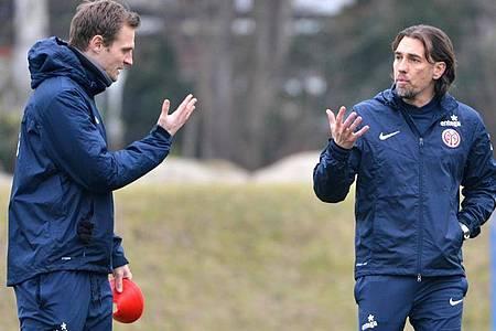 Kommt nach Martin Schmidt (r) auch Co-Trainer Bo Svensson zurück zu Mainz 05?. Foto: picture alliance / dpa