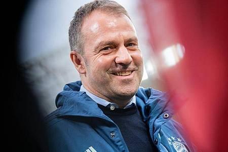 Trainer Hans-Dieter Flick freut sich auf den Jahresauftakt des FC Bayern. Foto: Tom Weller/dpa