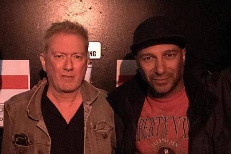 Die Musiker Andy Gill (l) und Tom Morello von Rage Against The Machine. Foto: Catherine Mayer/Mayer/dpa
