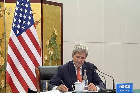 John Kerry, Sonderbeauftragter des US-Präsidenten für Klimafragen, ist nach China gereist. Foto: -/U.S. Department of State/dpa