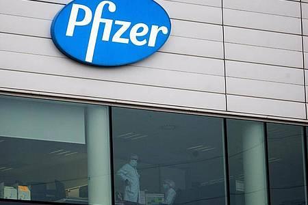 Das Pharmaunternehmen Pfizer entwickelte den Impfstoff zusammen mit dem deutschen Hersteller Biontech aus Mainz. Foto: Virginia Mayo/AP/dpa