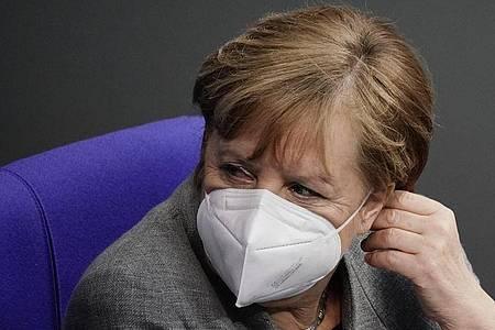 Einen Termin für die nächste Runde mit den Regierungschefs der Länder nannte Bundeskanzlerin Angela Merkel nicht. Foto: Michael Kappeler/dpa