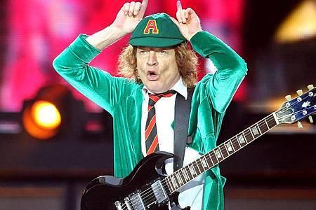 Angus Young hat sich mit seiner Band AC/DCnie um Trends oder Moden gekümmert. Foto: Jan Woitas/dpa-Zentralbild/dpa