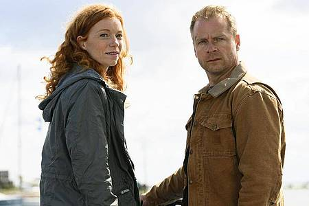 Jule (Marleen Lohse) und Hauke (Hinnerk Schönemann). Foto: Sandra Hoever/NDR Presse und Information/dpa