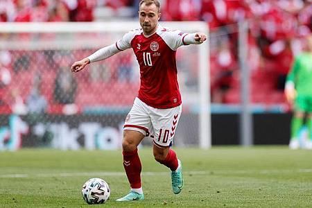 Befindet sich nach seinem Zusammenbruch in einem stabilen Zustand: Dänemarks Christian Eriksen. Foto: Wolfgang Rattay/POOL REUTERS/AP/dpa