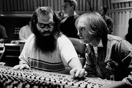 Tom Petty und Rick Rubin bei den Aufnahmen zu «Wildflowers». Foto: Robert Sebree/dpa