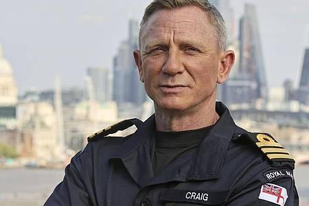007-Darsteller Daniel Craig (53) hat am letzten Drehtag seines fünften und letzten James-Bond-Thrillers «Keine Zeit zu sterben» geweint. Foto: Lphot Lee Blease/Ministry of Defence/PA Media/dpa