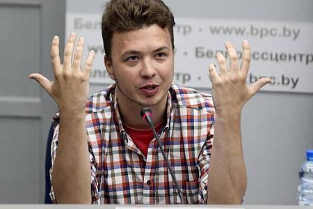 Der belarussische Journalist Roman Protassewitsch im Pressezentrum des Außenministeriums am 14.06.2021. Foto: Ramil Nasibulin/BelTA Pool via AP/dpa