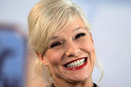 Ina Müller steigt hoch in die Charts ein. Foto: Swen Pförtner/dpa