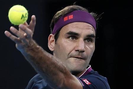 Grand-Slam-Rekordsieger Roger Federer wird wegen Trainingsrückstands nicht an den Australian Open teilnehmen. Foto: Dita Alangkara/AP/dpa/Archiv