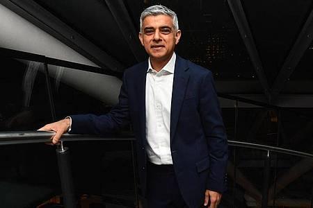 Auch auf nationaler Ebene ein Erfolg für Labour: Londons Bürgermeister Sadiq Khan bleibt im Amt. Foto: Victoria Jones/PA Wire/dpa