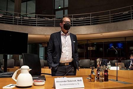 Alexander Dobrindt kommt zur Sitzung des Maut-Untersuchungsausschuss des Bundestags. Foto: Fabian Sommer/dpa