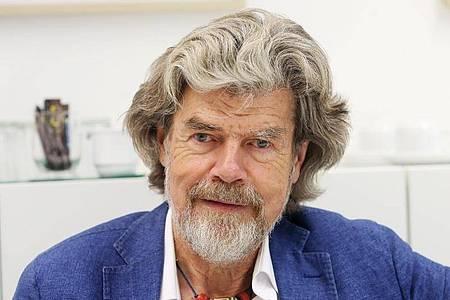 Der Südtiroler Bergsteiger Reinhold Messner hat Ja gesagt. Foto: Roland Weihrauch/dpa