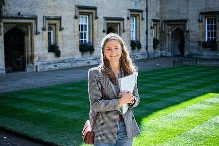 Die belgische Prinzessin Elisabeth auf dem Campus des Lincoln College an der Universität Oxford. Foto: -/belga/dpa