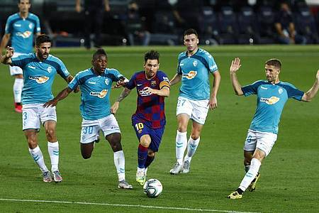 Auch im Kollektiv nicht zu bremsen: Lionel Messi (M). Foto: Joan Monfort/AP/dpa