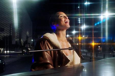 Das Videostandbild zeigt Alicia bei den MTV European Music Awards 2020. Foto: Mtv/PA Media/dpa