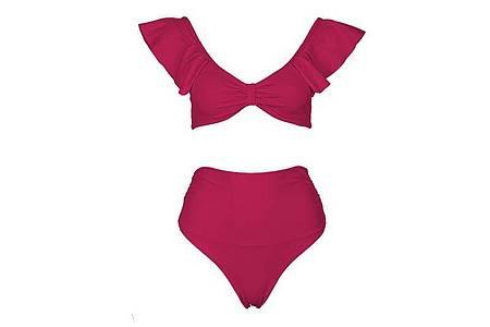 Dieses Bikini mit hohem Beinausschnitt von Sea Me kombiniert den Carmenausschnitt mit Volants (149 Euro). Foto: Sea Me/dpa-tmn