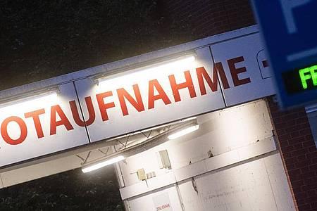 Auf Deutschlands Intensivstationen ballt sich angesichts der rasant steigenden Corona-Infektionszahlen Wut, Frust und Traurigkeit. Foto: Julian Stratenschulte/dpa