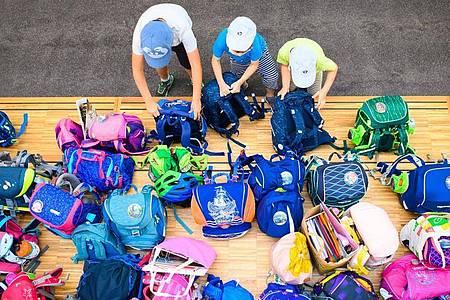 Mit dem «Ganztagsförderungsgesetz» wird sich für Schulkinder einiges ändern. Die Grünen üben Kritik. Foto: Soeren Stache/dpa-Zentralbild/dpa