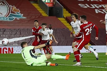 Andrew Robertson (2.v.r) sorgte beim Liverpool-Sieg gegen Arsenal für die Vorentscheidung. Foto: Jason Cairnduff/PA Wire/dpa