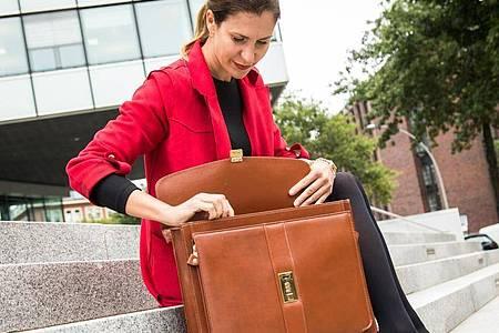 Wer in Teilzeit arbeiten möchte, muss das laut Gesetz rechtzeitig beim Arbeitgeber anmelden. Foto: Christin Klose/dpa-tmn
