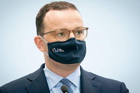 Jens Spahn (CDU), Bundesminister für Gesundheit, kommt zur Pressekonferenz in seinem Ministerium. . Foto: Kay Nietfeld/dpa