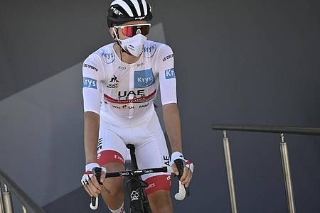Tadej Pogacar hat bei der Tour de France die Führung in der Gesamtwertung übernommen. Foto: Marco Betorello/Pool AFP/(AP/dpa