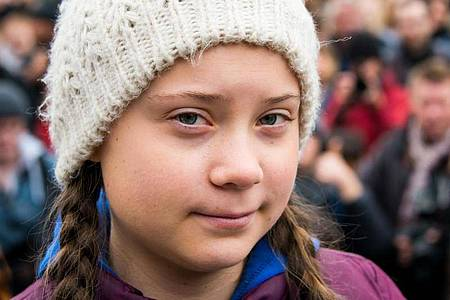 Klimaaktivistin Greta Thunberg hat letztes Jahr den Alternativen Nobelpreis bekommen. Foto: Daniel Bockwoldt/dpa