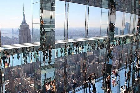 Über den Dächern von Manhattan: die neue Aussichtsplattform «Summit One Vanderbilt» an der 42nd Street. Foto: Christina Horsten/dpa